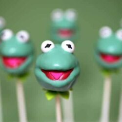 How to Make Kermit Cake Pops