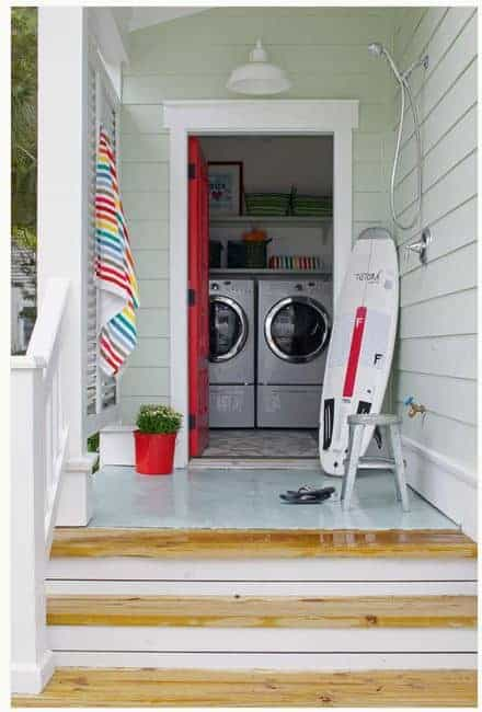 Outdoor Showers Ideas for a Beach Cottage