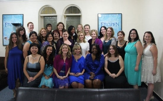 kristen bell with mom bloggers