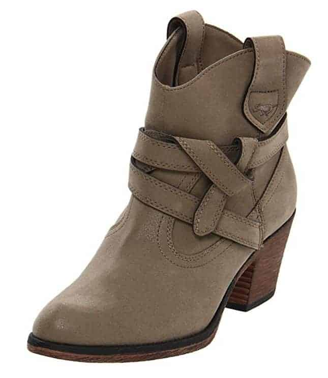 Vintage worn western trendy boots for fall