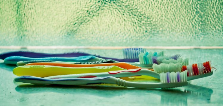 Toothbrush, Used Toothbrush, Tips for buying used, what not to buy used, Tips for Buying Pre-Owned